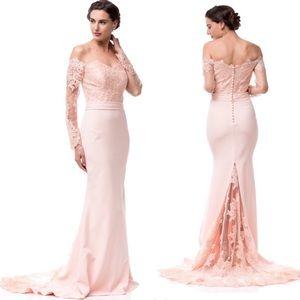 Dresses & Skirts - Cold shoulder formal dress💃🏽